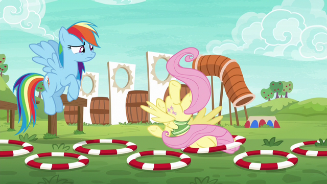 File:Fluttershy falls flat on her face S6E18.png
