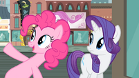 Pinkie Pie pointing at the clock S4E08