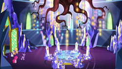 Twilight beholds the throne room chandelier S5E3.png