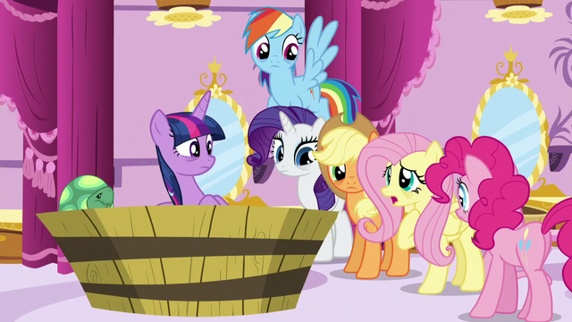 """File:Fluttershy """"dreamt about a blue smoke thingy too"""" S5E13.png"""