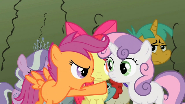 File:Scootaloo pointing at Sweetie Belle S2E01.png