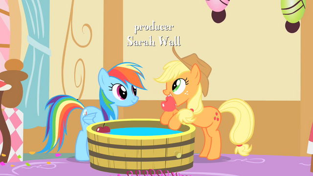 File:Applejack pulls out an apple from the bob S1E25.png