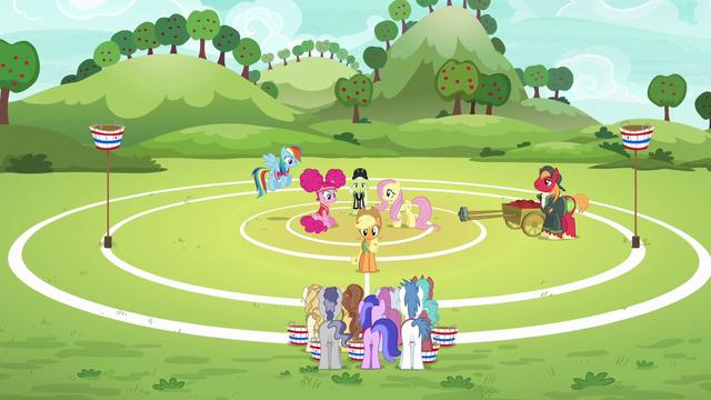 File:Applejack assembles unicorns on the field S6E18.png
