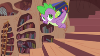 Spike carrying Elements chest S03E13