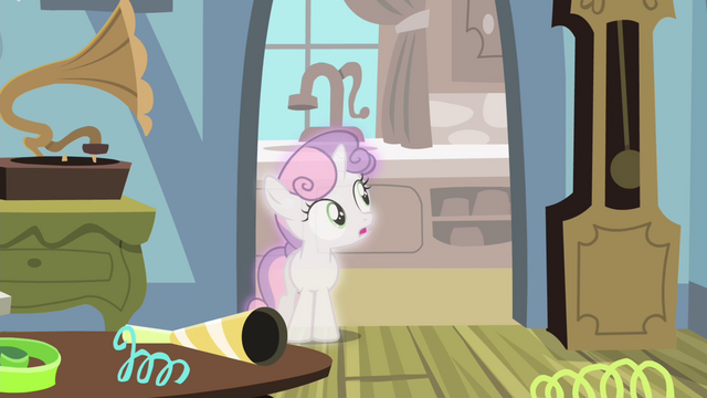 File:Sweetie Belle seeing Luna left S4E19.png