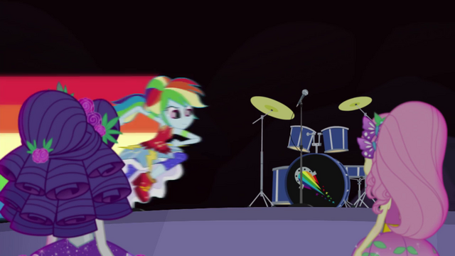 File:Rainbow Dash speeding onto the stage EG4.png