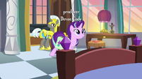 Starlight Glimmer enters her private castle suite S7E10