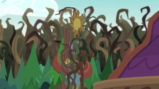 File:Vines wrapping around the camp totem pole EG4.png
