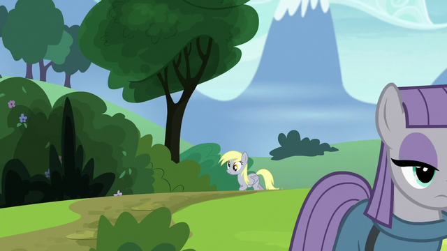 File:Derpy appears from down the road S7E4.png