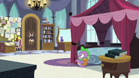 Spike hears a knock at the door S5E10