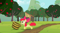 Apple Bloom pulling a tub S2E05
