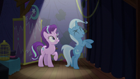Trixie getting very excited S6E6