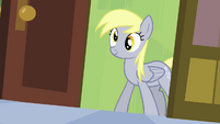 Derpy enters the room S4E10