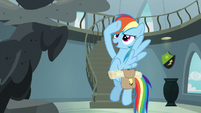 Rainbow salutes to Wonderbolt statue S5E3