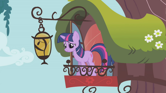 File:Twilight smiling at Fluttershy S1E07.png