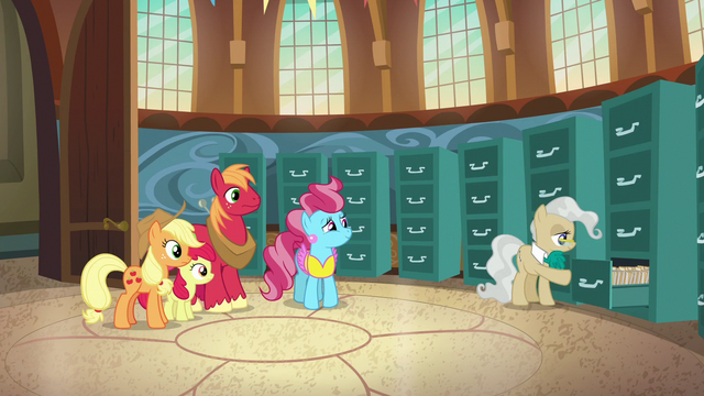 File:Mayor Mare closing a file cabinet S7E13.png