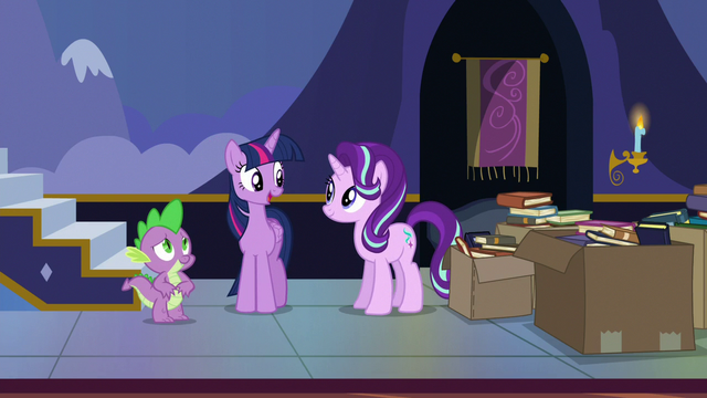 """File:Twilight """"been meaning to move these older books"""" S6E25.png"""