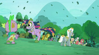 Twilight runs away S5E26