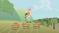 Fluttershy taking a break S1E04