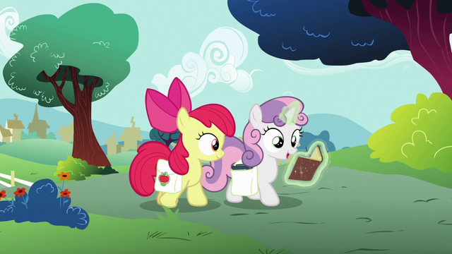 File:Sweetie Belle reading old Applewood Derby books S6E14.png