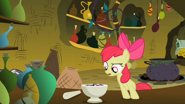 File:Apple Bloom Confused S2E6.png