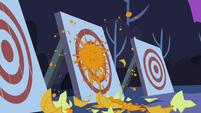 Pumpkin hitting target S2E04