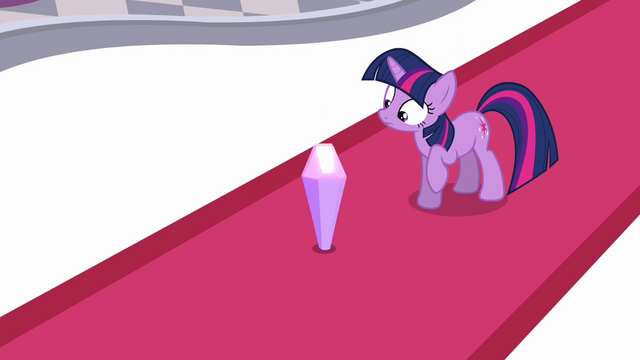 File:Twilight sees crystal S3E01.png