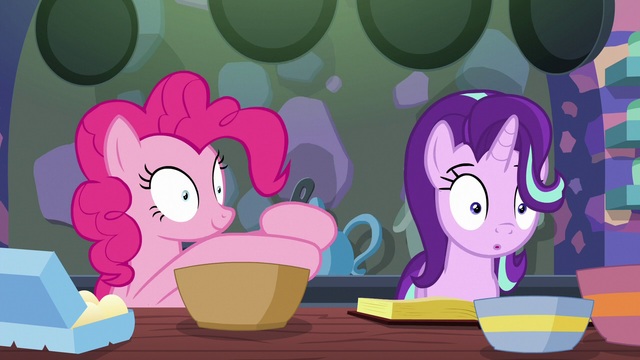 File:Pinkie Pie continues mixing the batter S6E21.png