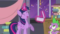 Twilight's letter rains confetti S4E01
