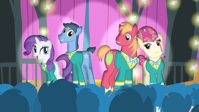 File:The Ponytones sings 'see the sunshine' S4E14.png