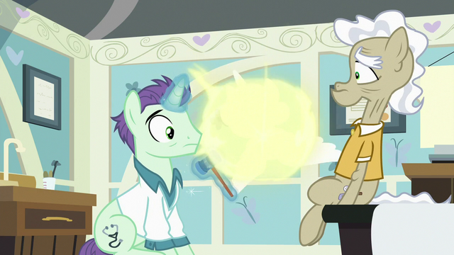 File:Flurry teleports away from doctor and Geri S7E3.png