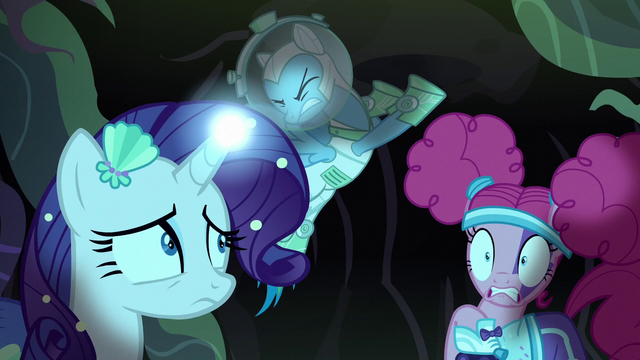 File:Rainbow trying to open the tunnel S5E21.png
