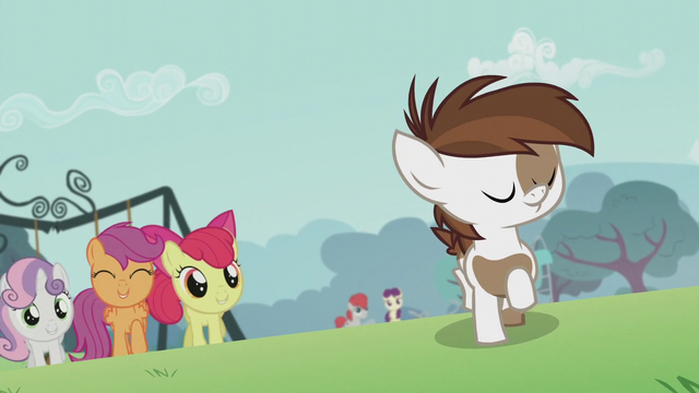 File:The CMC runs for Pipsqueak S5E18.png