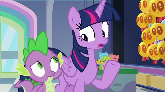 "File:Twilight Sparkle ""we'd better get to cleaning"" S7E3.png"