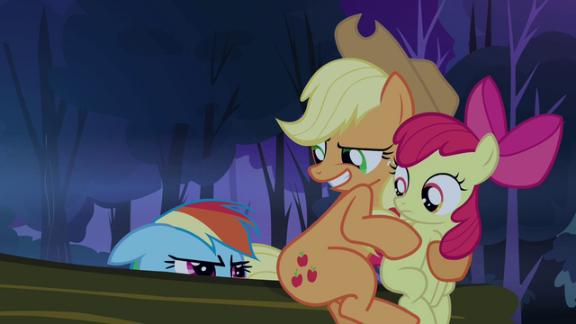 File:Applejack 'So where is it's brain?' S3E6.png