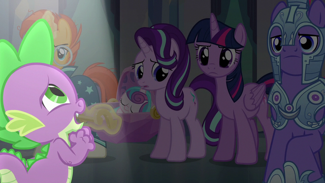 File:Spike singing his heart out S6E16.png