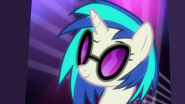 File:DJ Pon-3 intrigued S6E9.png