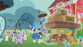 Delivery pony delivers new playground equipment S5E18.png