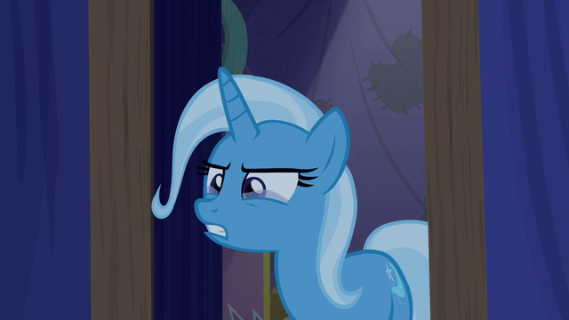 File:Trixie with tears in her eyes S6E6.png