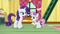 "Sweetie Belle ""in the middle of something important"" S7E6"
