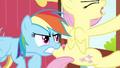 Rainbow Dash struggling Fluttershy door 3 S2E21.png
