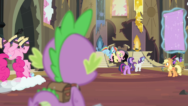 File:Spike watching his friends clean S4E06.png