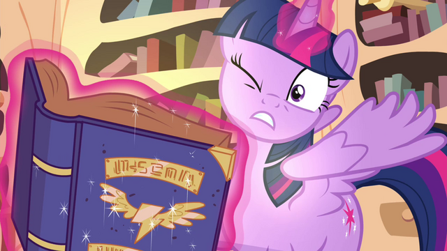 File:Book shines brightly on Twilight S4E21.png