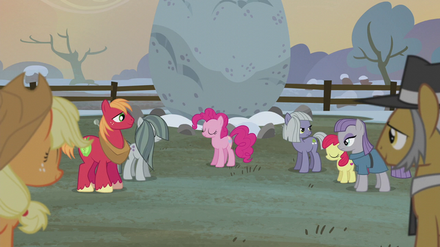 File:Apples and Pies listening to Pinkie S5E20.png