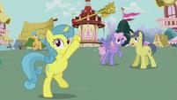 Lemon Hearts throws the Twilicane up S5E9