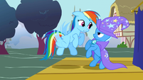 Rainbow Dash confronting Trixie S1E6