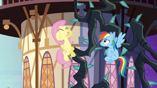 File:Fluttershy freaking out S4E01.png