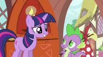 Twilight letting Spike go S2E21