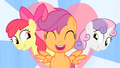 CMC singing with heart in the background S4E05.png