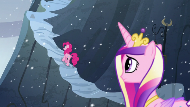 File:Pinkie travels up the mountain S5E11.png